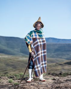 Thom Pierce – The Horsemen of Semonkong – Lebohang Monyamane – Letseng, Lesotho, 2016 Contemporary African Art, Photo D Art, Africa Art, Identity Art, Photography Awards, Tribal Fashion, Documentary Photography, Documentaries, Photos