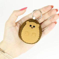 In my animal keychain collection it couldn't miss one of my favourite animals! The hedgehog! 😄  -------------------------------------  Nella mia collezione di portachiavi non poteva mancare uno dei miei animali preferiti! Il riccio! 😄  .  #riccio