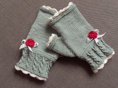 Ravelry: Peggy Sue got company handschuhe fingerlos Peggy Sue got company Crochet Mitts, Crochet Wrist Warmers, Crochet Gloves, Hand Warmers, Knit Crochet, Crochet Granny, Dishcloth Knitting Patterns, Knit Dishcloth, Hand Knitting