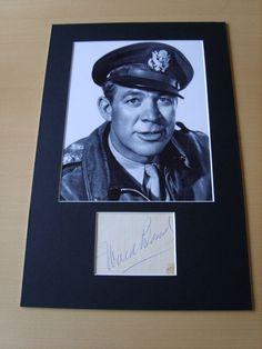 Ward Bond Genuine Autograph - UACC / AFTAL.