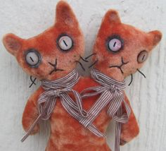 handmade Siamese twins conjoined cats by AntiqueJewelrySupply Adopt A Monster, Handmade Stuffed Animals, Fall Halloween, Halloween Toys, Halloween Party, Stuffed Animal Cat, Weird Creatures, Vintage Velvet, Plushies