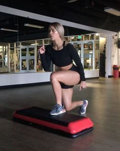 Combined HIIT and abarooooskis are for this bomb circuit cardio is hardio and that's why I love HIIT. It's quick, blasts fat and makes…