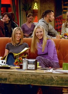 Lisa Kudrow and Jennifer Aniston a. Rachel and Phoebe Friends Tv Show, Tv: Friends, Serie Friends, Friends Moments, I Love My Friends, Friends Forever, Special Friends, Friends Cast, Friends Season