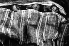 Orphans from a refugee camp of Goma, Zaire, 1994. Sebastião Salgado