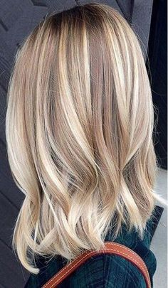 Balayage Ideas for Short Hair - Blonde Bayalage Hair Color Trends - Tips, Tricks. Balayage Ideas f Blonde Bayalage Hair, Cool Blonde Hair, Hair Color Balayage, Cool Hair Color, Blonde Lob, Ombre Hair, Short Blonde, Hair Colors, Mid Length Blonde Hair