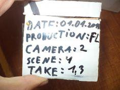 In aceasta postare o sa va prezint un echipament de regizor facut din carton .  Aceasta este cutia care este camera de filmat are un capac c... Drink Sleeves