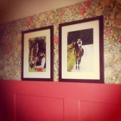 william morris, träpanel, barnrum William Morris, Master Bedroom, Lily, Frame, Home Decor, Photo Illustration, Master Suite, Picture Frame, Decoration Home