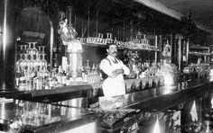 Early 1900 Us bartender