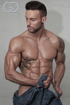 Beautiful Men and Their Muscles Biceps, Hot Men, Male Fitness Models, Hot Hunks, Muscular Men, Guy Pictures, Sexy Jeans, Perfect Man, Perfect Body