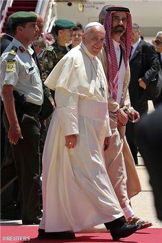 Pape François - Pope Francis - Papa Francesco - Papa Francisco – 24 mai 2014 : Jordanie, première étape de son périple en Terre sainte-
