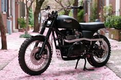 """There is a lot to like about the Jack Pine, a 2008 Triumph Scrambler custom from Hammarhead Industries, a US company on a mission to create """"simple yet modern motorcycles"""". Via Bike EXIF. Triumph Scrambler, Scrambler Custom, Custom Baggers, Scrambler Motorcycle, Motorcycle Style, Triumph Motorcycles, Motorcycle Gear, Enfield Motorcycle, Triumph Bonneville"""