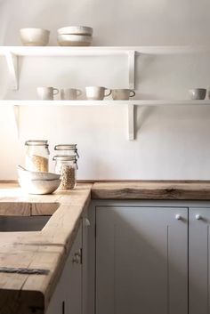 How to choose a kitchen worktop - - Katie Fontana, Co-Founder and Creative Director of British Standard and Plain English, explains the pros and cons of the surfaces to choose from for kitchen worktops. Wooden Worktop Kitchen, Kitchen Cupboards, Rustic Kitchen, Country Kitchen, Diy Kitchen, Kitchen Decor, Kitchen Worktops, Kitchen Ideas, Kitchen Board