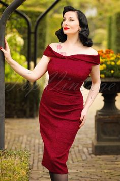 8166765a673 Vixen Maisie Red Lace Pencil Dress 100 20 19446 20160914 0009W modelfotoW  Red Lace