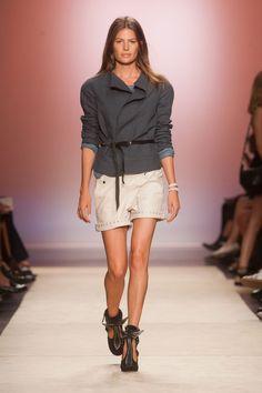 Défilé Isabel Marant, prêt-à-porter printemps-été 2014, Paris. #PFW #fashionweek #runway