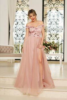 StarShinerS rosa occasional long cloche dress off shoulder, flaring cut, deep cleavage, sleeveless, on the shoulders Bridesmaid Dresses, Prom Dresses, Wedding Dresses, Product Label, Special Occasion Dresses, Evening Dresses, Feminine, Elegant, Interior