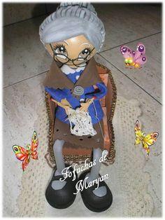 Abuela Princess Zelda, Villas, Fictional Characters, Creativity, Craft, Creative, Jelly Beans, Grandparents, Projects