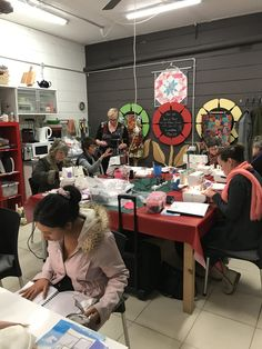 Learn to love your Overlocker Learning To Love Yourself, Create Yourself, Booklet, Workshop, Fabric, Tejido, Atelier, Tela, Work Shop Garage