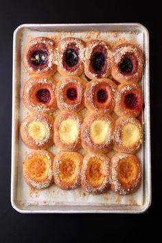 Strudel, Croissants, Kolache Recipe, Breakfast Recipes, Dessert Recipes, Breakfast Cake, Shortbread, Czech Recipes, Mochi