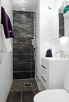salle d'eau 3m2 en couleur blanc et marron, idee comment amenager la salle de bain