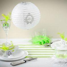 """Pour une décoration de mariage fraiche et colorée, voici noter lanterne """"Just married"""" a suspendre. Une belle idée de décoration de mariage"""