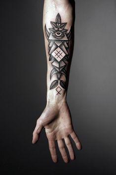 Die Oberarm und Unterarm Tattoo Ideen und die Arm Tattoo Vorlagen als Ganzes sind populär zurzeit. Abgesehen vom Geschlecht und den Bedürfnissen gibt es