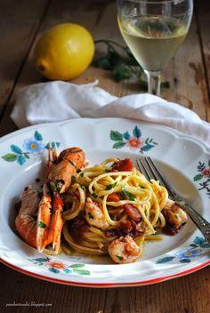 Pane, burro e alici: Spaghetti alla chitarra con sugo di scampi al limo...