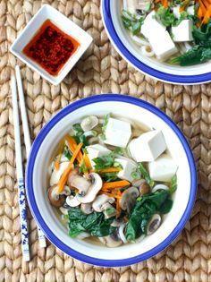 Easy mushroom & tofu udon noodle recipe by SeasonWithSpice.com @Season with Spice - an Asian Spice Shop