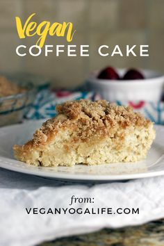 Whether you're looking to make an epic vegan brunch or just want to keep it simple, this vegan coffee cake does not disappoint! recipes and nutrition and drinks recipes recipes celebration diet recipes Healthy Vegan Dessert, Coconut Dessert, Cake Vegan, Oreo Dessert, Vegan Dessert Recipes, Vegan Treats, Vegan Foods, Vegan Snacks, Cake Recipes