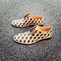3D #rokiwuz #customshoes #handpainted #leather #instafashion #shoes #derbyshoes #handmade