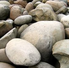 Create realistic boulders and rocks with a hypertufa mixture