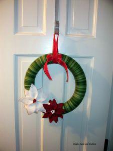 Christmas Felt Poinsettia Wreath
