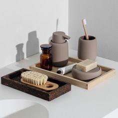30 Bathroom Storage Solutions to Satisfy Your Inner Neat Freak Bathroom Tumbler, Bathroom Spa, Zen Bathroom Decor, Apartment Bathroom Decorating, Spa Inspired Bathroom, Bathroom Stuff, Washroom, Master Bathroom, Bathroom Ideas