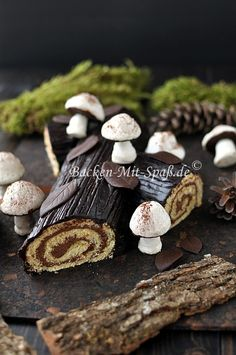 buche de noel - maybe with maccaron-mushrooms?