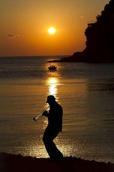 Musica en la noche.