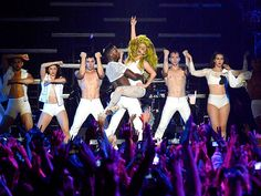 Lady Gaga at Roseland: The Final Performance - Estrellas Del Mundo Roseland Ballroom, Sounds Good To Me, Rob Lowe, Star Track, Kevin Costner, Last Dance, Kaia Gerber, Ballrooms, Vanessa Hudgens
