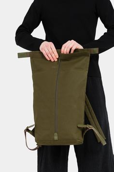 Ideas Travel Thailand Laptops For 2019 Travel Backpack, Backpack Bags, Travel Bags, Leather Backpack, Garments Business, Model Outfits, Vegetable Tanned Leather, Green Leather, Thailand Travel