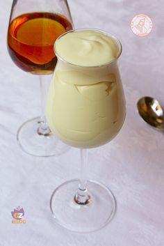 Crema al rum Mousse, Chutney, Ricotta, Cake Calories, Creme Dessert, Cold Desserts, Vanilla Cupcakes, Recipe Today, International Recipes
