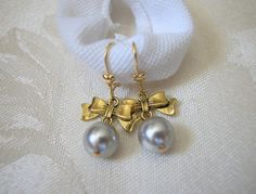 10mm Swarovski Light Grey Pearl Earrings Antique Gold Bow Connectors | norycloset -  on ArtFire