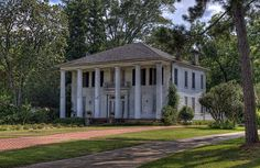 Cuthbert, Georgia | Flickr - Photo Sharing! Southern Plantation Homes, Southern Mansions, Southern Plantations, Southern Homes, Southern Comfort, Southern Charm, Abandoned Plantations, Abandoned Asylums, Abandoned Mansions
