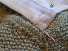 Lining a knit blanket with flannel knit...knit...frog: Back to the blanket - final touches