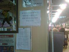 """La tenía por Facebook:    En el Mercat d'Horta hay un pequeño espacio en donde la gente puede leer la prensa, tomar café etc... supongo que esta dedicado a maridos hartos de arrastrar el carro de la compra mientras la """"parienta"""" hace cola o para jubilados ociosos que pueden leer la prensa gratuitamente ;-)"""