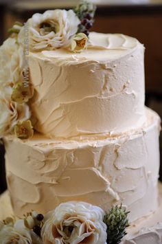 rustic and textured vintage inspired wedding cake...so simple yet elegant...for the future!