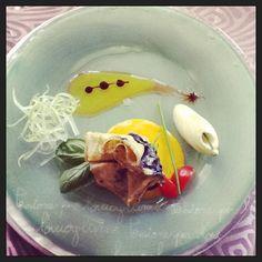 """La nostra ricetta del mercoledì: """"Crespella al nero di seppia con ripieno di orata su salsa allo zafferano"""" #hotelmarinetta #ricette"""