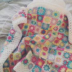 "Crochet Granny Square blanket - Lindsey Bryan (@itsme.lindsey) on Instagram: ""Finishing up this pretty little blanket for a pretty little baby girl joining us very soon …"""