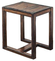 Прекрасный приставной столик из твердой породы махагона в светлой медовой отделке. Столик будет великолепно смотреться сбоку дивана или кресла.             Метки: Журнальный стол.              Материал: Дерево.              Бренд: Uttermost.              Стили: Лофт.              Цвета: Темно-коричневый.