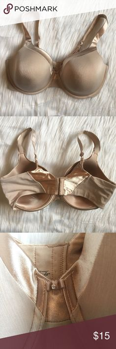 Vanity Fair 38DD Bra vanity fair 38DD nude / blush pink bra. gorgeous color combo, cute rhinestone bow in the center. three modes of adjustability for the band and adjustable straps. light padding. super comfortable! in perfect condition, appears unworn. 10% off bundles of 2 items and 15% off bundles of 3+ items. item is cheaper on my depop & mercari @jillianalice Vanity Intimates & Sleepwear Bras