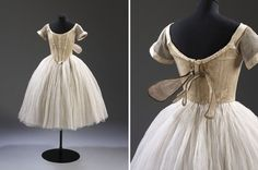 Costume for Fokine's Les Sylphides, 1909. Worn by Lydia Lopokova c1920 #dancefashion Via Victoria and Albert Museum