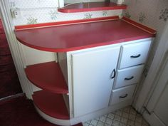 retro decor These kitchen cabinets and formica worktops in white and red, currently for sale on just shout out Kitchen Cabinets For Sale, Kitchen Cabinet Colors, Kitchen Layout, Kitchen Design, Kitchen Redo, Kitchen Ideas, Retro Furniture, Kitchen Furniture, Furniture Design