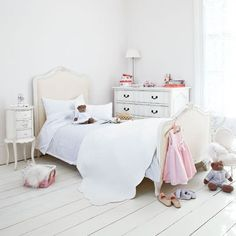 White floorboards in Girls Bedroom: Interiors
