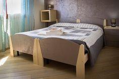La bellissima Camera Cala Buranti', con i suoi colori rilassanti vi accoglierà per il vostro soggiorno ad Alghero. Scopri tutti i servizi della camera